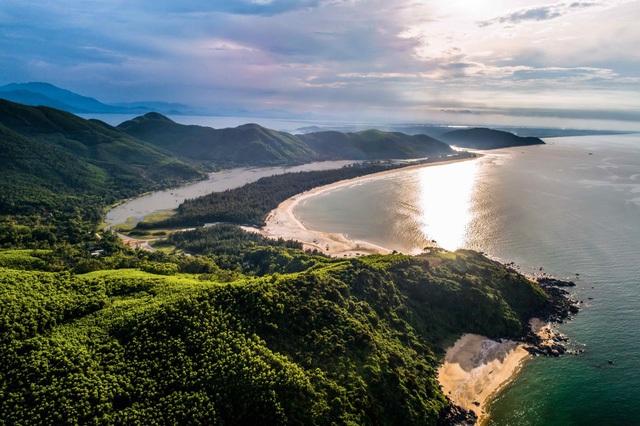 Lăng Cô hiện đang là điểm sáng của bất động sản nghỉ dưỡng kết hợp casino tại Việt Nam