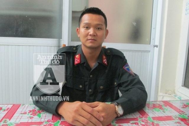Thượng úy Vũ Ngọc Long đã có 7 năm công tác trong lực lượng CSCĐ, trong đó có 1,5 năm ở Tiểu đoàn CSCĐ Đặc nhiệm (Trung đoàn CSCĐ, CATP Hà Nội)