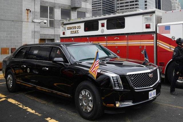 Chiếc limousine bọc thép mới Cadillac The Beast 2.0 đã chính thức vào nhiệm vụ trong chuyến đi của Tổng thống Trump vào cuối tuần qua ở New York.
