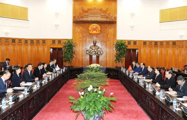 Thủ tướng Nguyễn Xuân Phúc hội kiến với Thủ tướng Hàn Quốc