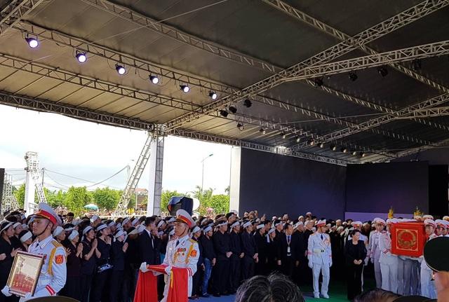 Chủ tịch nước Trần Đại Quang đã an nghỉ tại quê nhà - 26