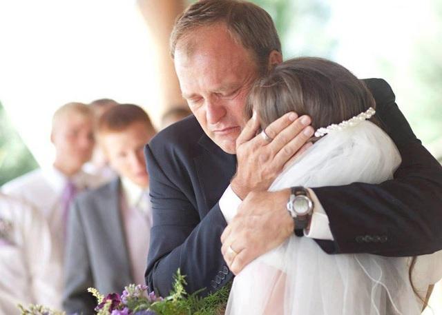 """Brady Williams trong lần đầu tiên được lên chức """"bố vợ""""."""