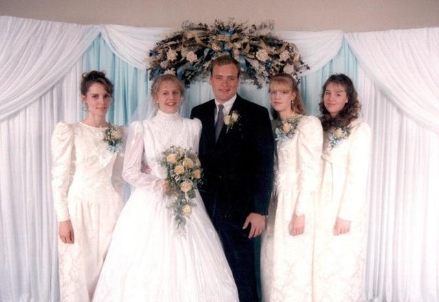 Đến năm 1998 ông tiếp tục kết hôn với người vợ thứ 4 của mình và sau đó không lâu là người vợ thứ 5.