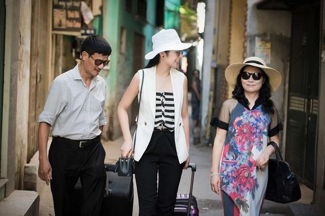 Ngọc Hân đưa bố mẹ đi du lịch.