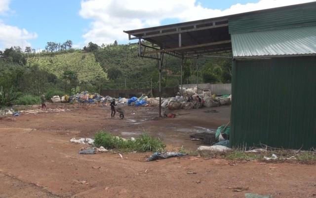 Cơ sở tái chế nhựa nằm ngay trong khu dân cư của TX. Gia Nghĩa