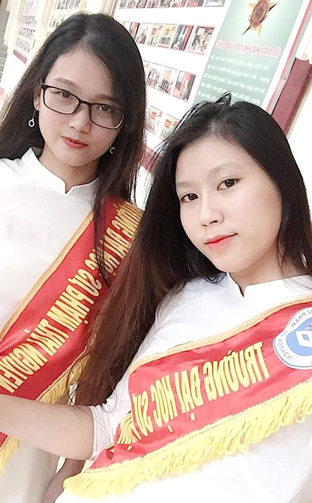 Đặng Ngọc Hà (SN 1999) hiện là sinh viên năm khoa Mầm non, Trường Đại học Sư phạm - Đại học Thái Nguyên. Cô được biết đến là đại diện của một nhóm nữ sinh ĐH Sư phạm - Đại học Thái Nguyên đã có những bức ảnh đậm chất nghệ thuật tưởng chừng thực hiện trong studio chuyên nghiệp gây sốt trên mạng xã hội.
