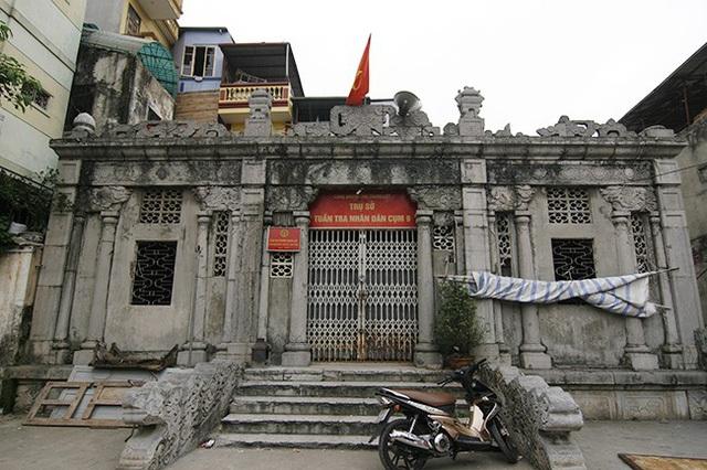 Khu lăng mộ Hoàng Cao Khải, còn gọi là ấp Thái Hà (nay nằm ở ngõ 252, phố Tây Sơn, phường Trung Liệt, quận Đống Đa, Hà Nội) được xây dựng năm 1893 bởi Tổng đốc Hoàng Cao Khải (1850 - 1933). Ông là một đại thần dưới triều Vua Thành Thái thời nhà Nguyễn và cũng là một nhà văn, nhà sử học của Việt Nam.