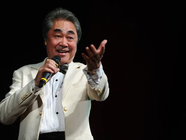 NSND Quang Thọ vẫn hát sung sức ở tuổi 70.