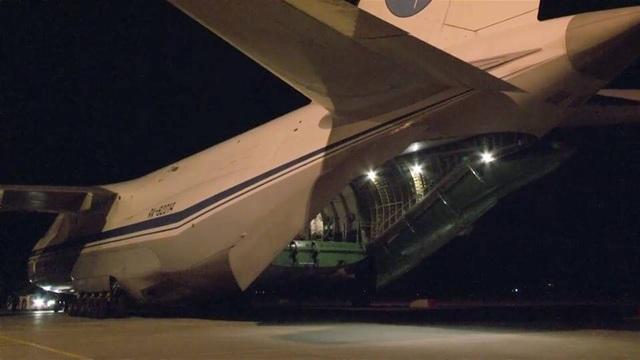 Máy bay vận tải quân sự Nga được cho là chở khí tài đến Syria đêm 24/9. (Ảnh: Almasdarnews)