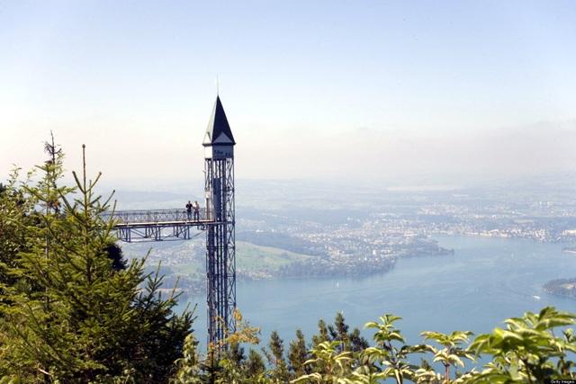 """Cả """"thiên đường"""" lọt vào tầm mắt trên chiếc thang máy ngoài trời cao nhất châu Âu - 2"""