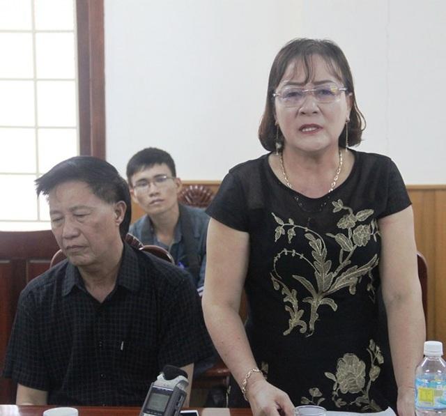 Ông Nguyên mệt mỏi đành phải để cho bà Phó Giám đốc Công ty Đại Nguyên Dương trả lời tại cuộc họp.