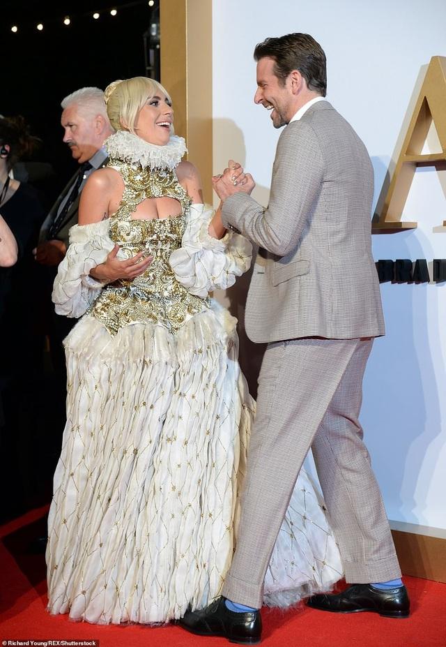 Gaga thổ lộ rằng Bradley bây giờ là một người bạn thân của cô và cô và ca ngợi khả năng đạo diễn, viết kịch bản, hát và diễn xuất của anh trong phim.
