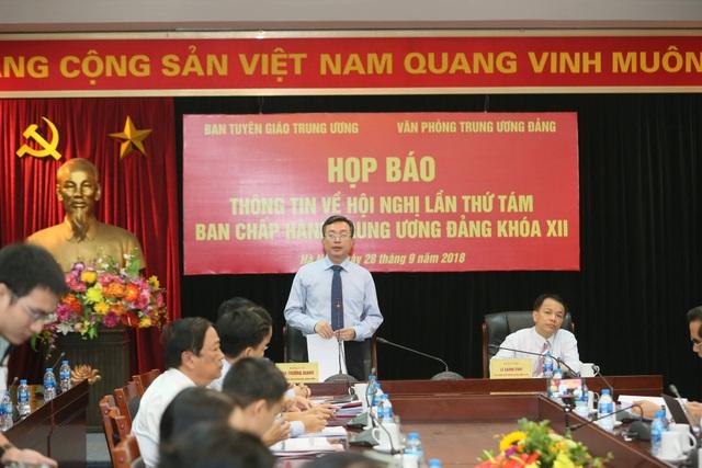 Phó Trưởng Ban Tuyên giáo TƯ Bùi Trường Giang chủ trì cuộc họp báo