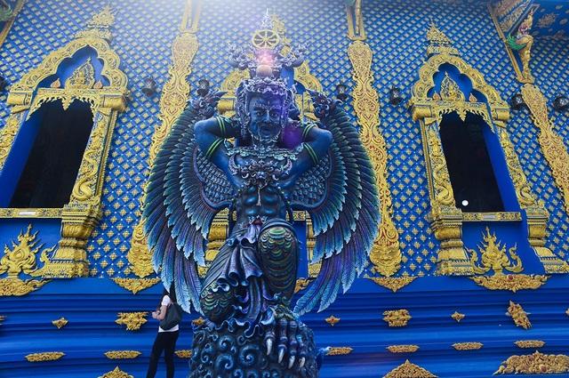 Mê mẩn trước ngôi đền xanh biếc, trăm năm tuổi - 17