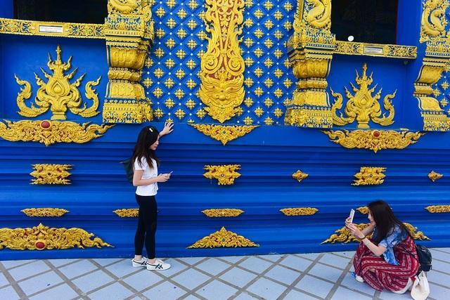 Mê mẩn trước ngôi đền xanh biếc, trăm năm tuổi - 16