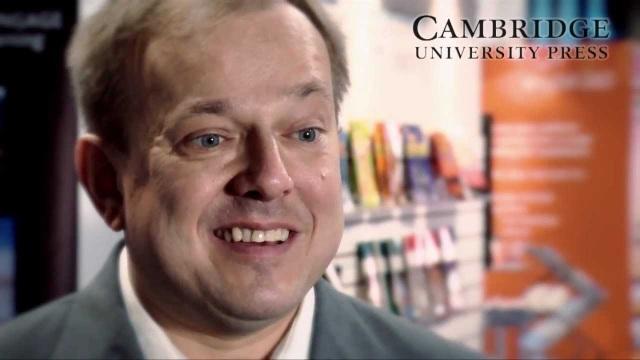 Mark Krzanowski là chuyên gia ngôn ngữ tiếng Anh hiện đang giảng dạy tại Đại học Westminster, Anh quốc.