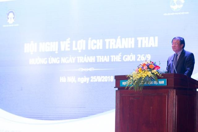 Ông Nguyễn Doãn Tú, Tổng cục trưởng Tổng cục DS-KHHGĐ phát biểu khai mạc hội nghị