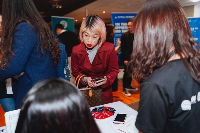 Sự kiện được tổ chức tại trường đại học Victoria, Úc