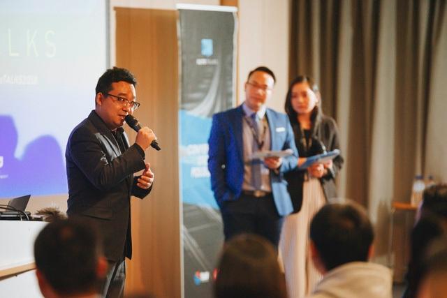 Phần giới thiệu của ông SEAN Dong - Chairman của chuỗi sự kiện Elite TALKS