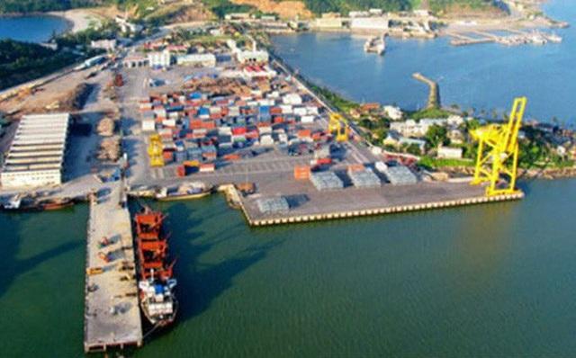 Xây cảng biển, lập khu kinh tế từng được nhiều chuyên gia chỉ ra là cuộc đua xuống đáy của nhiều địa phương.
