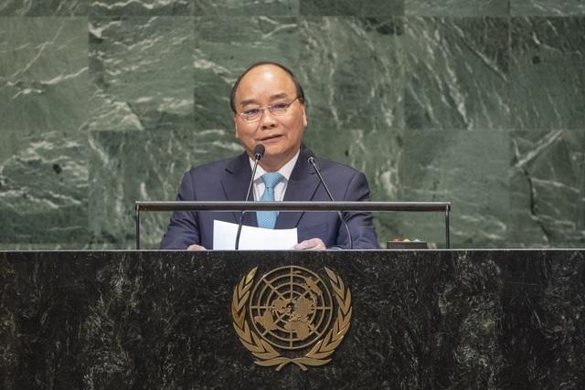 Thủ tướng Nguyễn Xuân Phúc tại Phiên họp cấp cao khóa 73 Đại hội đồng LHQ ngày 27/9, Thủ tướng cảm ơn Đại hội đồng LHQ và các nước đã chia buồn việc Chủ tịch nước Trần Đại Quang qua đời