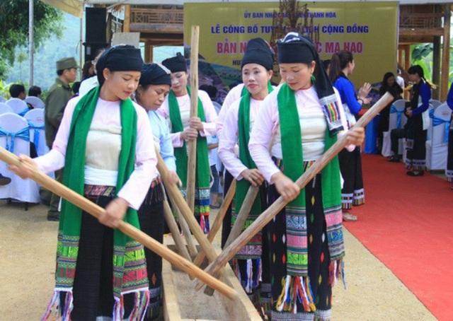 Lang Chánh là vùng đất cổ, có quá trình giao thoa, tiếp biến và hội nhập về văn hóa lâu đời giữa các tộc người Thái, Mường và Kinh.