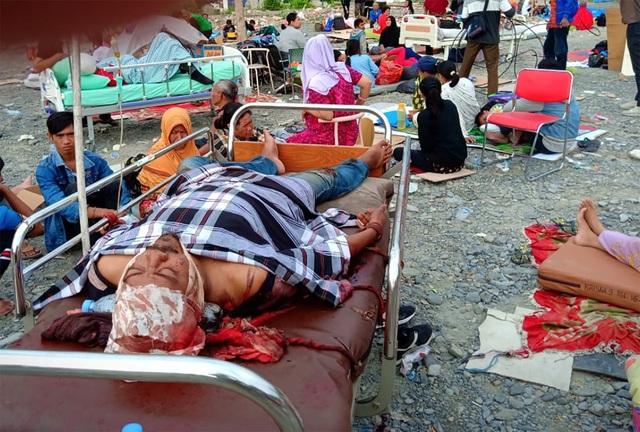 Quy mô thiệt hại được đánh giá là rất lớn với hàng nghìn ngôi nhà, bệnh viện, trung tâm thương mại và khách sạn đổ sập, một cây cầu bị cuốn trôi và một tuyến đường cao tốc bị tàn phá do sạt lở.