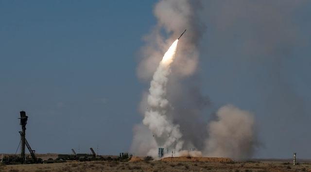 S-300 là một trong những hệ thống tên lửa phòng không hiện đại của Nga. (Ảnh: Reuters)