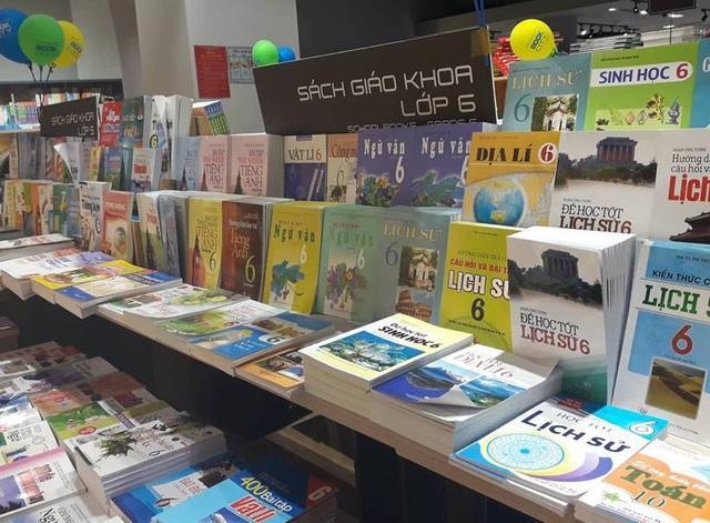 Giáo viên không được gây khó dễ để ép học sinh mua nhiều ấn phẩm tham khảo