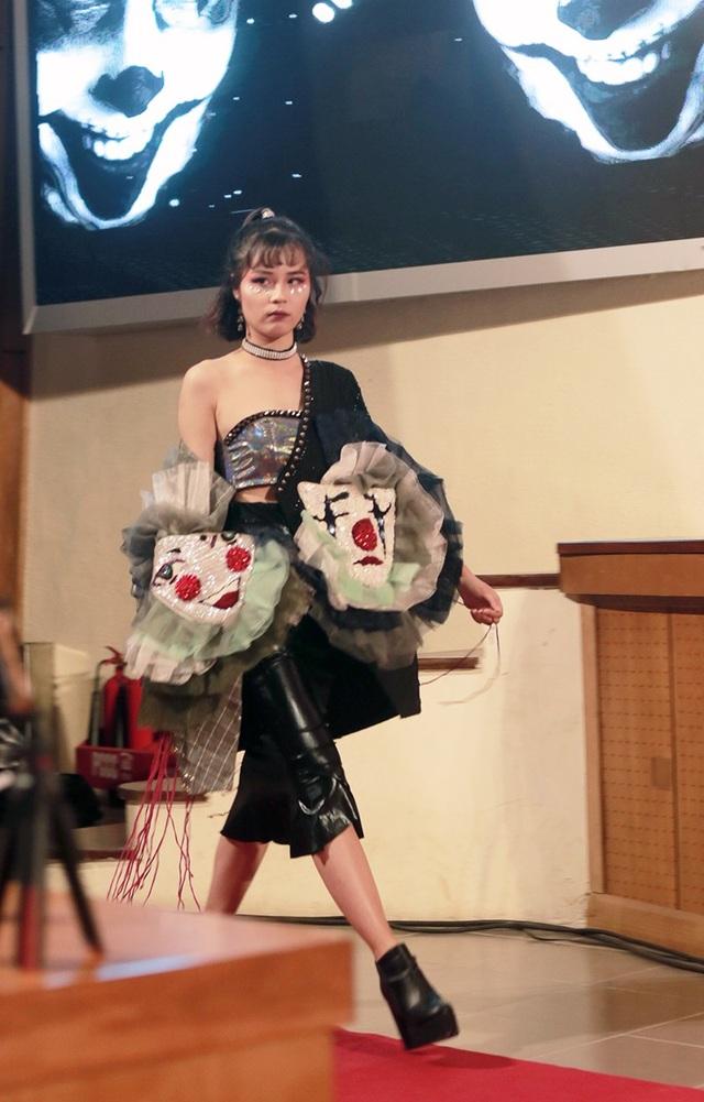 """Nữ sinh Bách khoa xé váy, trình diễn thời trang """"2 trong 1"""" ấn tượng - 9"""