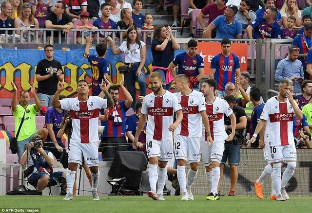 Huesca gây sốc khi có được bàn dẫn trước nhờ công Hernandez