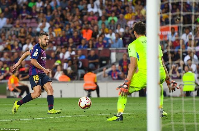 Jordi Alba để lại dấu ấn với một bàn thắng