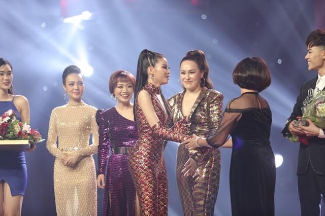"""""""Cô gái triệu view"""" Ngọc Ánh đăng quang ngôi vị Quán quân Giọng hát Việt 2018 - 10"""