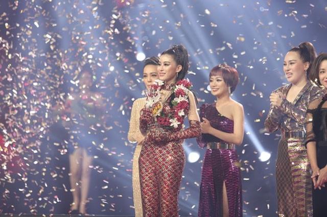 Ngọc Ánh đăng quang Quán quân Giọng hát Việt 2018.