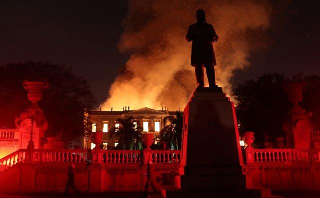 Bảo tàng Quốc gia Brazil nằm trong cung điện Sao Cristovao tại Rio de Janeiro, nơi từng là dinh thự của gia đình hoàng gia Bồ Đào Nha.