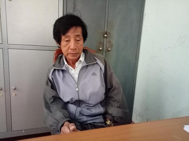 Ông Huỳnh Bê tại cơ quan công an