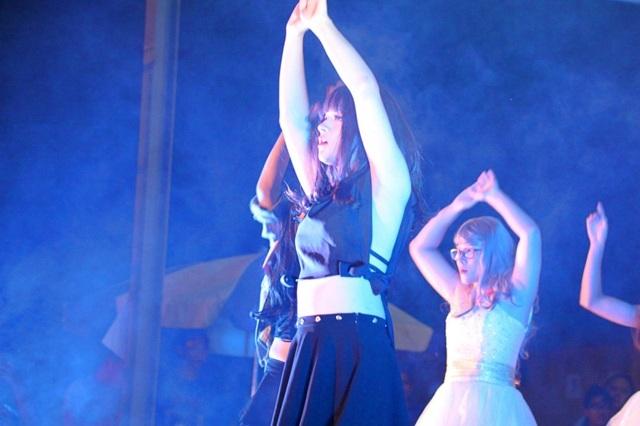 Không chỉ xinh đẹp, quyến rũ, các nam sinh còn thể xuất hiện những màn vũ đạo điêu luyện.