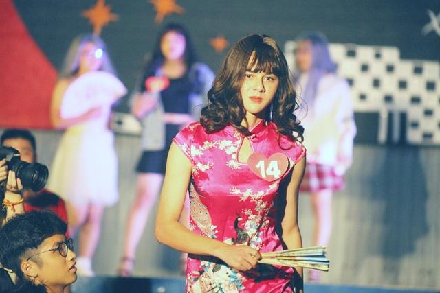 Vẻ đẹp yêu kiều trong chiếc sườn xám của thí sinh Nguyễn Trọng Minh