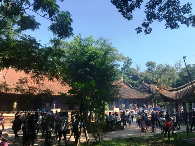 Nhiều công trình kiến trúc tại khu di tích Lam Kinh đã được phỏng dựng lại, tạo cho di tích Lam Kinh thêm vẻ bề thế.