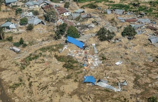 Toàn cảnh mức độ tàn phá kinh hoàng của thảm họa động đất ở Malaysia (Ảnh: Reuters)