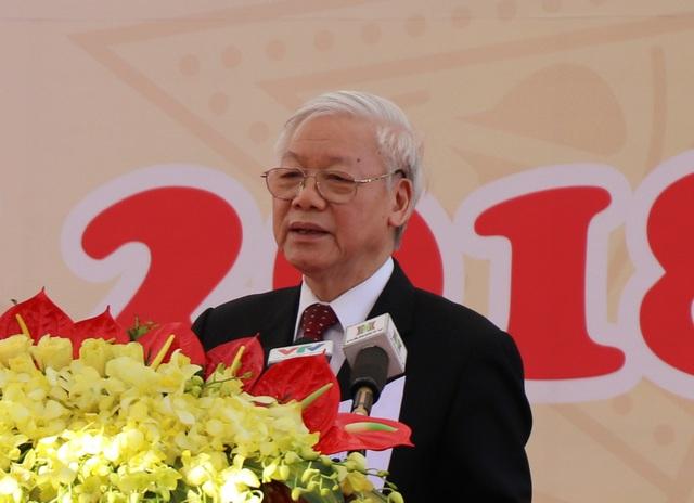 Tổng Bí thư Nguyễn Phú Trọng đề nghị Học viện Nông Nghiệp Việt Nam đổi mới căn bản, toàn diện giáo dục; phấn đấu nhanh chóng trở thành một trong những trường đại học nghiên cứu hàng đầu trong lĩnh vực nông nghiệp.