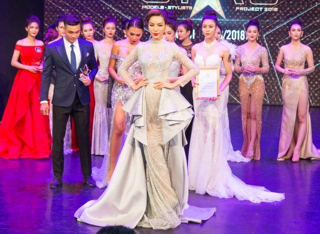 """Đây là 1 trong 10 cuộc thi nhan sắc mà Leading Media giữ bản quyền tại Việt Nam, Dương Nguyễn Khả Trang là thành viên đầu tiên của dự án """"Ngôi sao danh vọng"""" bước vào """"chinh chiến"""" trên đấu trường Quốc tế sau buổi casting của dự án tại Hà Nội vừa qua."""