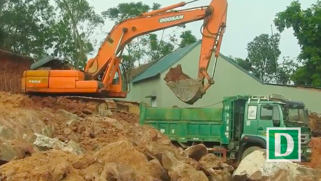 Mục sở thị tình trạng đánh cắp tài nguyên quốc gia giữa ban ngày tại Bắc Giang! - Ảnh 3.