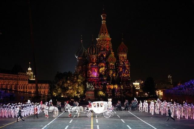 Xe ngựa tham gia một màn trình diễn tại Quảng trường Đỏ.