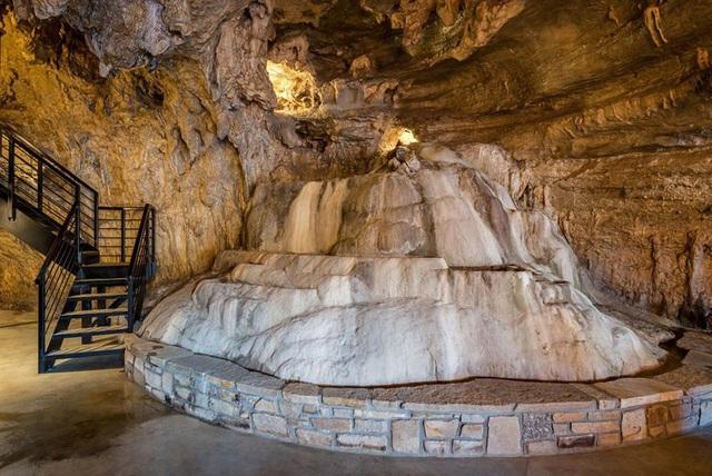 """Khám phá biệt thự """"triệu đô"""" nằm ngay trong hang động độc nhất thế giới - 5"""