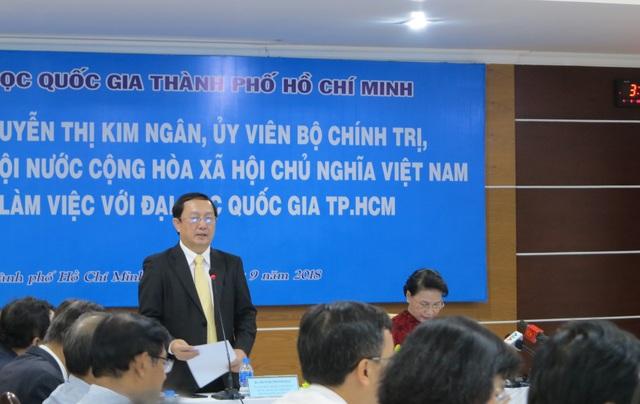 PGS.TS Huỳnh Thành Đạt, Giám đốc ĐHQG TPHCM nêu những kiến nghị trong buổi làm việc với Chủ tịch Quốc hội Nguyễn Thị Kim Ngân chiều 4/9.