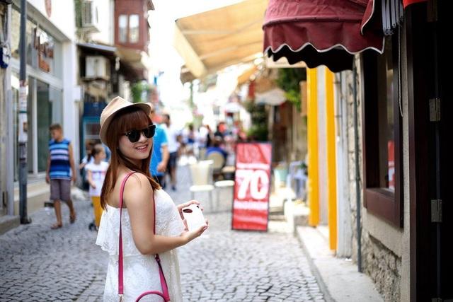 Thu Huyền du lịch ở Thổ Nhĩ Kỳ.
