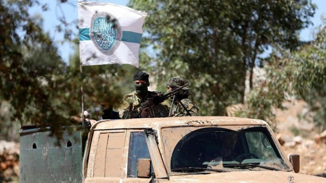Thủ lĩnh Hayat Tahrir al-Sham từ chối lời kêu gọi giải tán và tuyên bố tiếp tục chiến đấu ở Idlib (Ảnh: AFP)