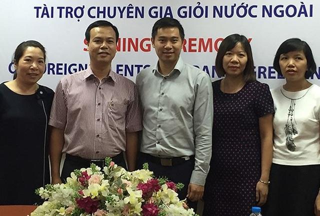 TS Trịnh Quang Toàn (giữa) tham dự lễ ký kết thỏa thuận tài trợ chuyên gia giỏi nước ngoài tham gia dự án của FIRST. (Ảnh: Nguyễn Hoài)