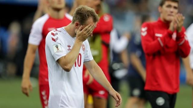 Bóng đá Đan Mạch rơi vào tình cảnh hỗn loạn